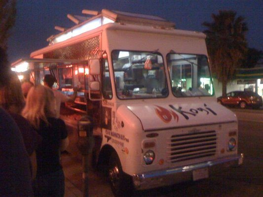 kogi-bbq-taco-truck-korean-bbq-taco-truck-best-tacos-in-los-angeles-best-food-trucks-in-los-angeles catering san diego wedding catering