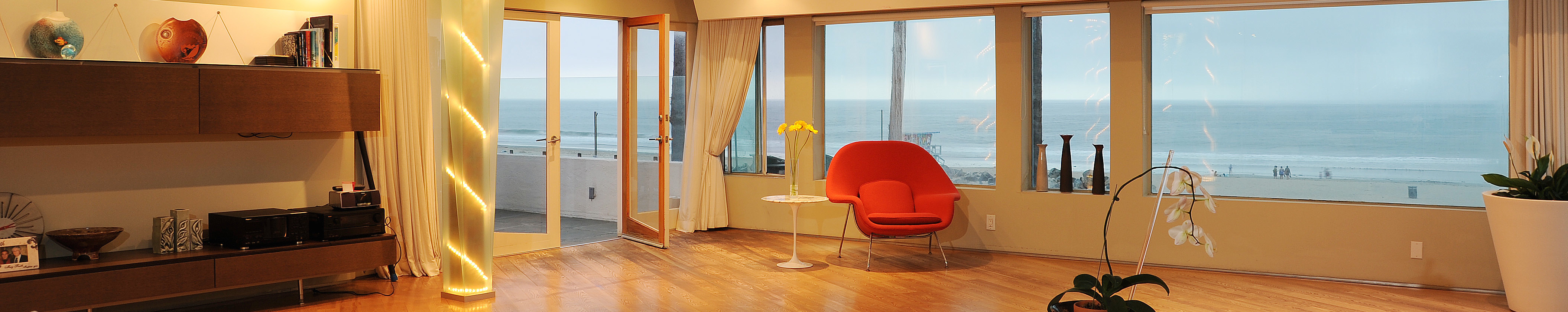 3111-Ocean-Front-Walk_PH-Living-Room-Ocean-View-Dusk- catering san diego wedding catering