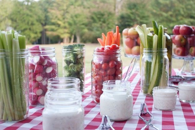 Picnic-ideas-how-to-have-a-picnic-organic-catering-wedding-ideas-engagment-photos-cheap-date-green-ideas-6 catering san diego wedding catering